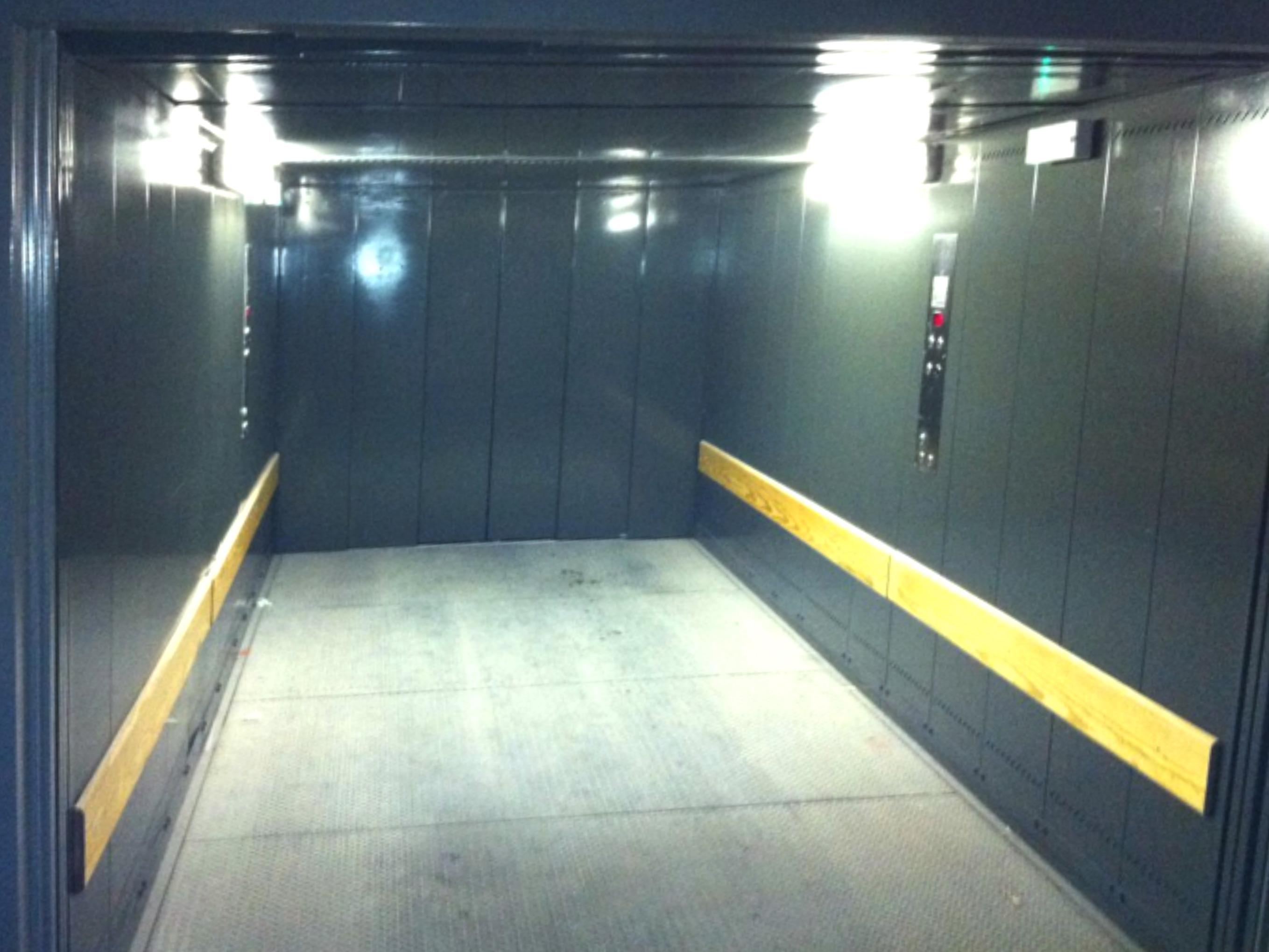 grands ascenseurs ciel ascenseurs. Black Bedroom Furniture Sets. Home Design Ideas